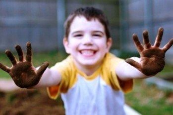 Otpornija su deca koja odrastaju u prljavštini