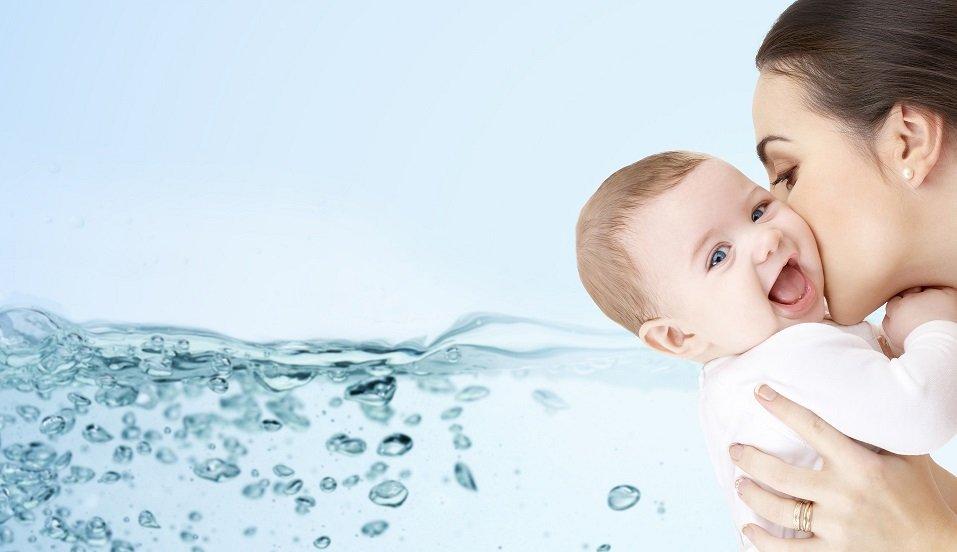 Edukacija roditelja o pravilnoj hidraciji beba i dece