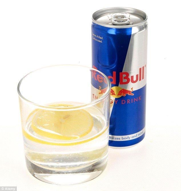 Mešanje energetskih pića sa alkoholom povećava želju za opijanjem