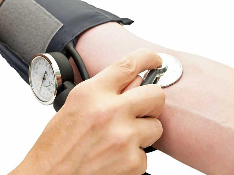 Svaki drugi stanovnik Srbije ima povišen krvni pritisak