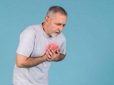 Bol u grudima - sve informacije i prva pomoć