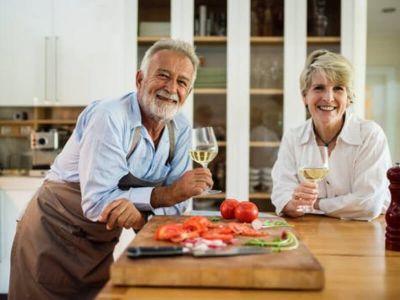 Poznato je da dobri odnosi sa supružnikom dovode do dužeg braka, a novi rezultati istraživanja pokazuju da su povezani i sa dužim životom.