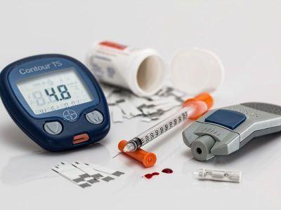 Dijabetes je sindrom koji nastaje zbog poremećaja u proizvodinji, distribuciji i funkciji insulina. Na osnovu mehanizma nastanka, postoje četiri grupe dijabetesa. Više o tome, govori doktorka Tanja Blagojević-Baošić iz Doma zdravlja u Kovinu.