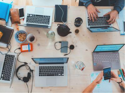 Od oktobra 2013. godine svaki zaposleni koji u svom radu koristi ekran mora da ima trogodišnju kontrolu vida na koju ga upućuje poslodavac.
