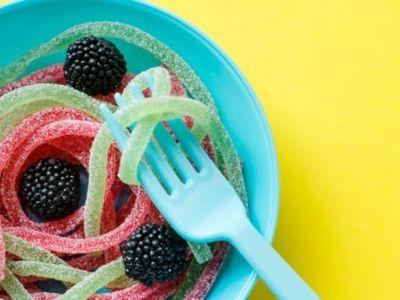 Ono što jedete i kada jedete može da utiče na nivo šećera u krvi. Ovi saveti vezani za ishranu, pored saveta lekara, mogu da pomognu da se nivo šećera u krvi zadrži pod kontrolom.