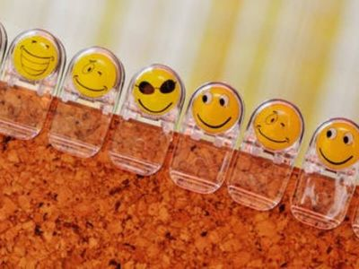 Radost, žalost, ljutnja, strah, iznenađenje i gađenje osnovne su emocije karakteristične za sve ljude na svetu. Moderna psihologija ističe da će nam u 21. veku biti potrebno i dodatnih 5 emocija - osećaj uzvišenosti, osećaj radoznalosti/zainteresovanosti, zahvalnost, ponos i zbunjenost.