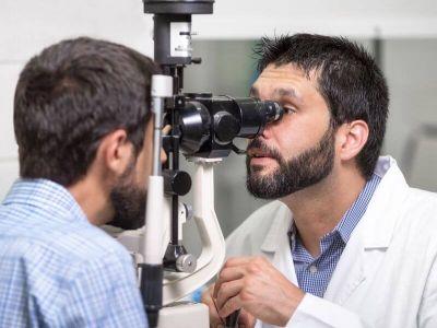 Dijabetesna retinopatija je jedna od najtežih komplikacija na oku. Ovo stanje je opasnije ako znamo da ako se ne leči može da dovede do trajnog gubitka vida.