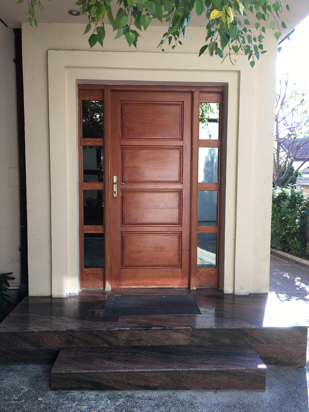 Lorijen centar za odvikavanje ordinacija ulazna vrata