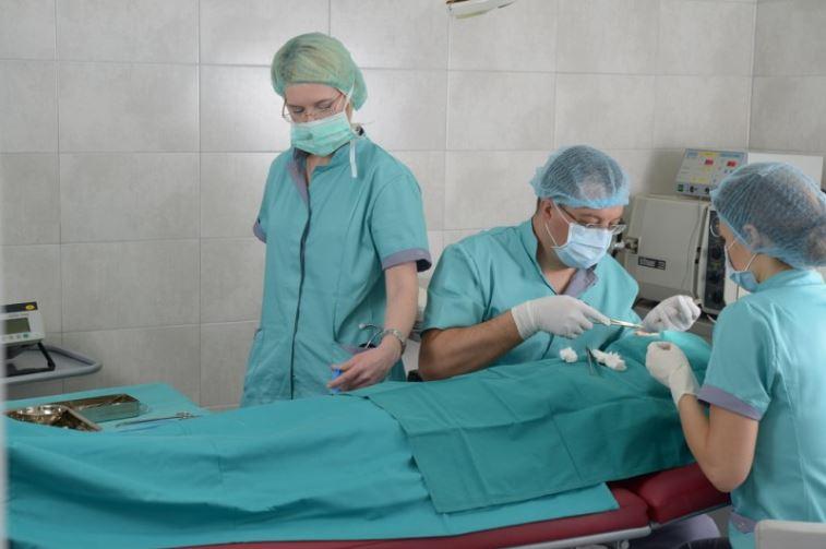 MedikDent hirurgija