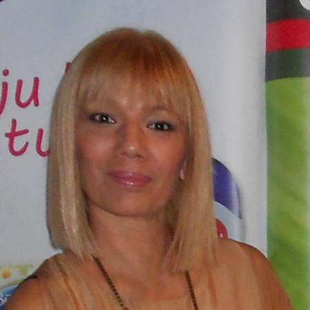 Dr Olga Murgaški je stručnjak u oblasti fitologije.