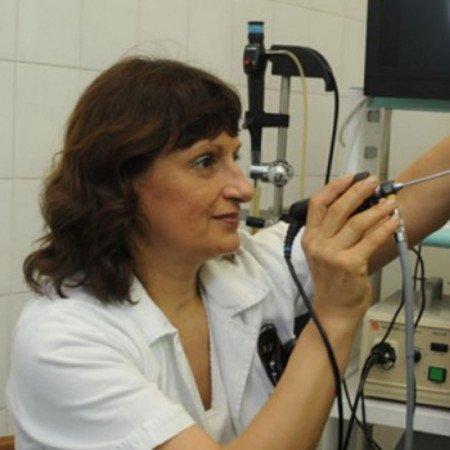 Prim. mr sci. med. dr Dušanka Milošević je specijalista otorinolaringologije.
