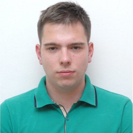 Dr Luka Jovanović je lekar opšte medicie, zaposlen na Institutu za Onkologiju i radiologiju Srbije.