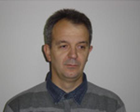 Zoran Stanojković je magistar medicinskih nauka transfuziologije. Predstavnik Republike Srbije za oblast transfuzije krvi u Zdravstvenom sektoru Saveta Evrope (SP-GS).