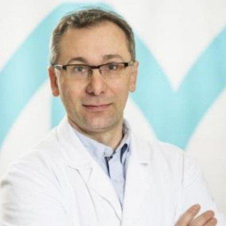 Dr Nebojša Jeremić je lekar specijalista urologije koji je svoj radni vek proveo u privatnoj i državnoj medicinskoj praksi, kao i kao član mnogih medicinskih urduženja. Dr Jeremić je bio i lekar Vaterpolo reprezentacije Srbije.
