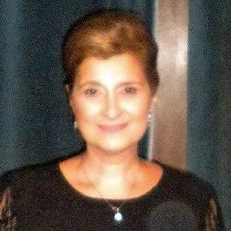Primarijus dr sci. med. Ljiljana Tadić je specijalista interne medicine. Diplomirala je na Medicinskom fakultetu u Nišu gde je završila specijalizaciju Interne medicine.