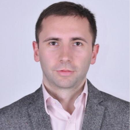 Dr Marko Virijević je ortoped.