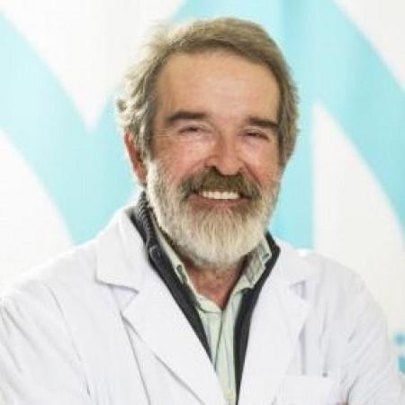 """Doktor Dragan Dzufić je autor i koautor više stručnih radova objavljenih u recenzisanim časopisima, monografijama i zbornicima radova. Tokom svojeg dugogodišnjeg rada bio je šef odseka za radiološko-ultrazvučnu dijagnostiku kao i načelnik odeljenja radiološko-ultrazvučne dijagnostike KBC """"Dr Dragiša Mišović""""."""
