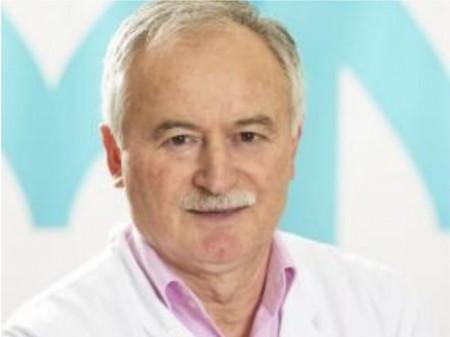 Dr. Milan Mišović je 1977. završio Medicinski fakultet Univerziteta u Beogradu, gde je specijalizirao i postao primarijus. Svoje dugogodišnje radno iskustvo je ostvario na Vojnomedicinskoj Akademiji u Beogradu VM u Bihaću. Autor je mnogih stručnih radova koji su objavljeni u zemlji i inostranstvu.