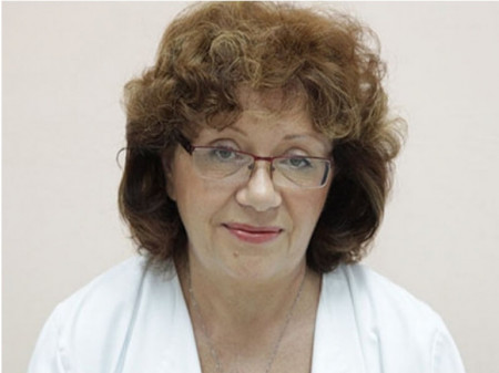 Dr Milica Džinić je zaposlena u GAK Narodni front kao šef na odseku za kolposkopiju i citologiju, a trenutno radi i u Ordinaciji Mladenović.
