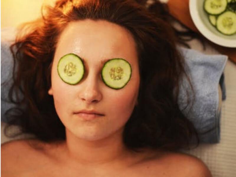 Ukoliko Vam se pojavio podbradak, to se može rešiti lakim vežbama za lice. Učvrstite mišiće svog lica bez odlaska plastičnom hirurgu.