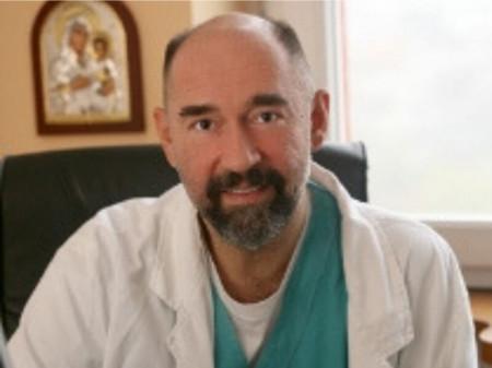 Prof. dr Milan Terzić, Specijalista ginekologije i akušerstva