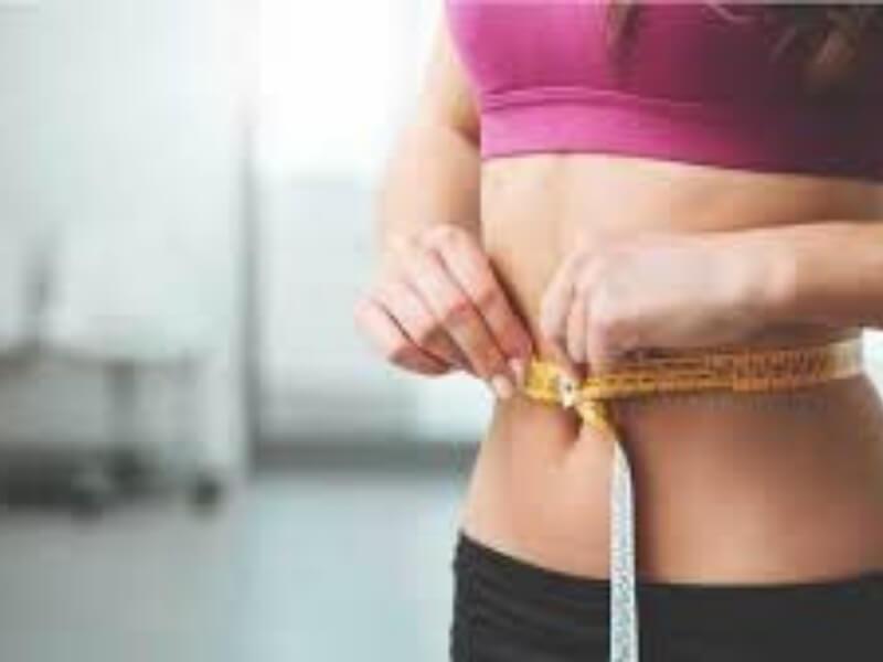 Da biste se oslobodili nekoliko kilograma viška, ne morate da se podvrgavate strogoj dijeti. Dovoljno je da primenite neke od sledećih saveta i kilogrami će sami početi da se tope.