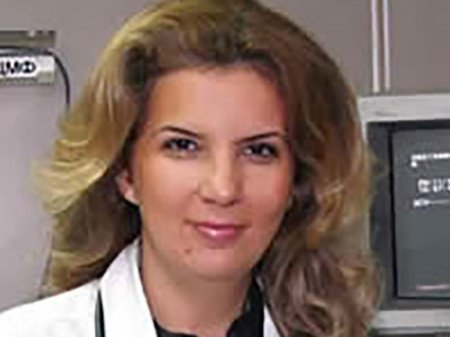 Prof. dr Aleksandra Pavlović Marković, Specijalista interne medicine i gastroenterolog