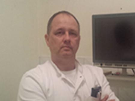 Dr Predrag Dugalić je specijalista gastroenterologije. Od 1997. godine je asistent na katedri interne medicine Medicinskog fakulteta Univerziteta u Beogradu.