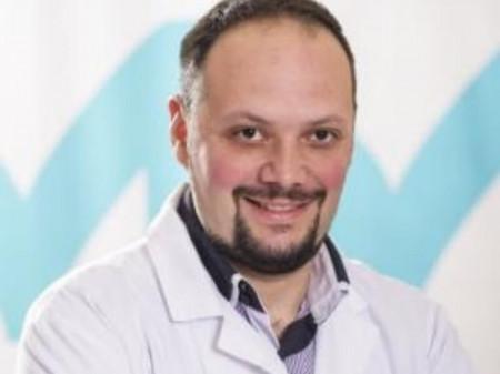 Dr Miloš Milinković je lekar opšte prakse iz Beograda. Svoju karijeru posvetio je radu kako u državnoj tako i privatnoj praksi.