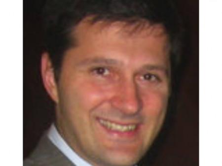 Dr Duško Spasovski specijalista ortopedije koji radi u Beogradu na banjici.