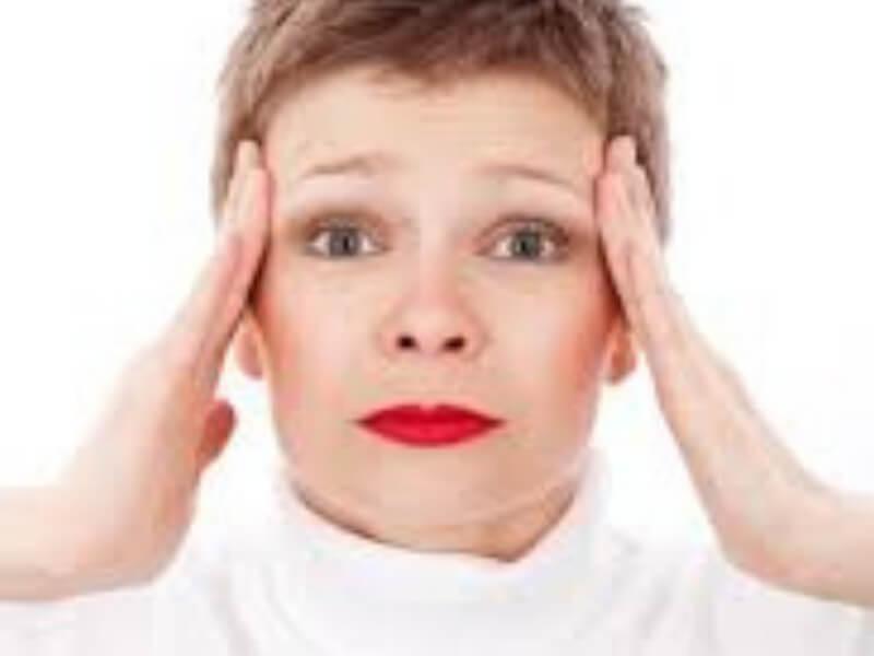 Ljudi koji boluju od migrene, imaju strukturne promene u mozgu, posebno u regiji korteksa, centra za bol i druge senzacije u organizmu, saopštili su svetski naučnici. Stručnjaci navode da je još nejasno da li te promene u mozgu izazivaju migrenu, ili su posledica same migrene.