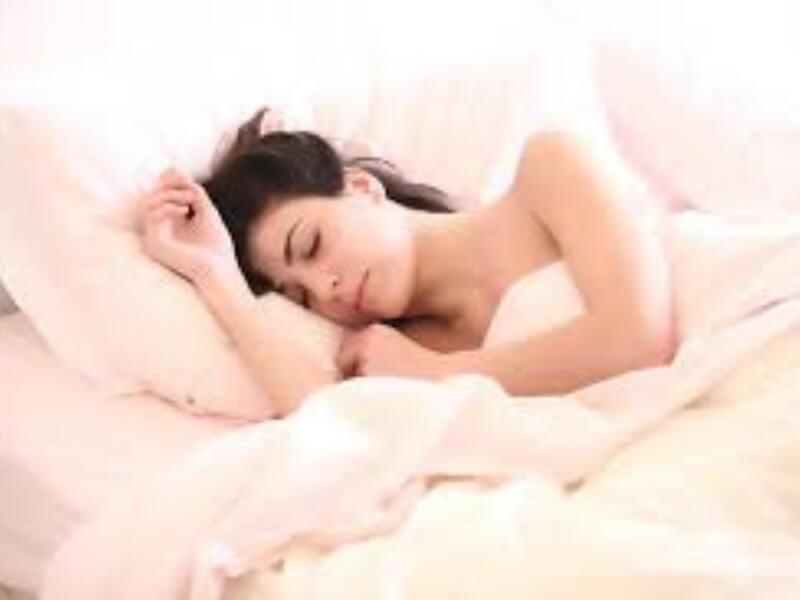 Istraživanje nemačkih lekara prodrmalo je uvreženu pretpostavku da je za aktivan um bitan dugačak, dubok san. U novom broju New Scientista objavljena je studija koja govori suprotvno - potrebno je tek šest minuta da se mozak vrati u formu!