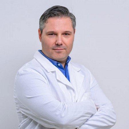 Dr Marko Buta je onkolog.