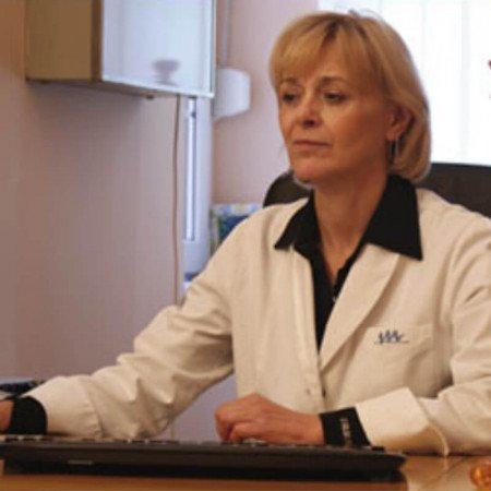 Dr Vinka Vukotić Maletić je specijalista urologije.