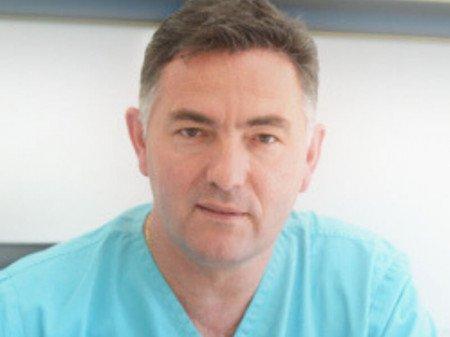 Dr Milomir Gačević je specijalista plastične, estetske i rekonstruktivne hirurgije sa 25 godina hirurškog iskustva i nebrojenih zadovoljnih pacijenata.