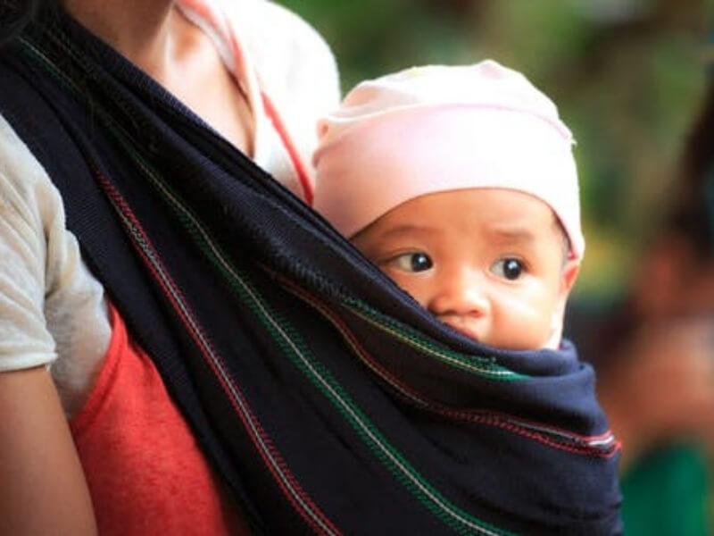 Dojenje pomaže u smanjenju telesne težine posle porođaja, tako da će novopečene mame brže povratiti staru liniju ako doje svoje bebe, prenosi Rojters. Uočeni gubitak telesne težine bio je prisutan uprkos povećanom unosu kalorija među majkame koje doje.