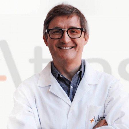 Dr Aleksandar Urošević je specijalista plastične i rekonstruktivne hirurgije od 2004. godine. Uža specijalnost mu je rekonstrukcije ušne školjke.