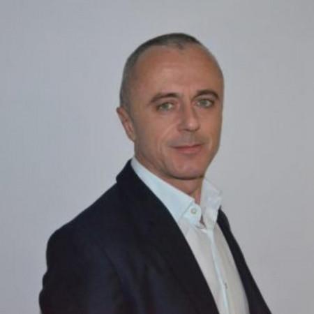 Dr Saša Milićević je specijalista plastične i rekonstruktivne hirurgije Vojnomedicinske akademije, magistar medicinskih nauka. Zakažite pregled.