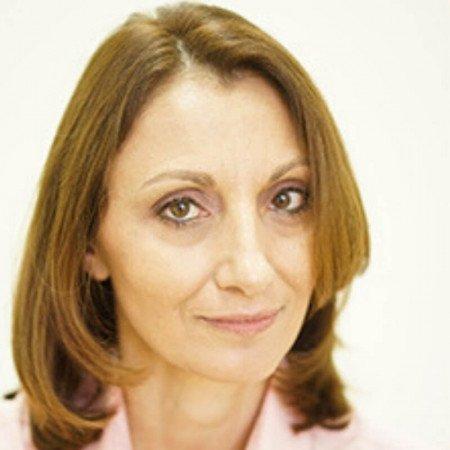Dr Maja Marinković je specijalista ginekologije i akušerstva, perinatolog sa više od 25 godina iskustva. Bavi se visokorizičnim trudnoćama.