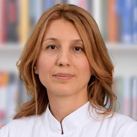 Doc. dr sci. med. Mirjana Mijušković je specijalista interne medicine sa supspecijalizacijom iz nefrologije.  Zaposlena je na VMA. Zakažite pregled.