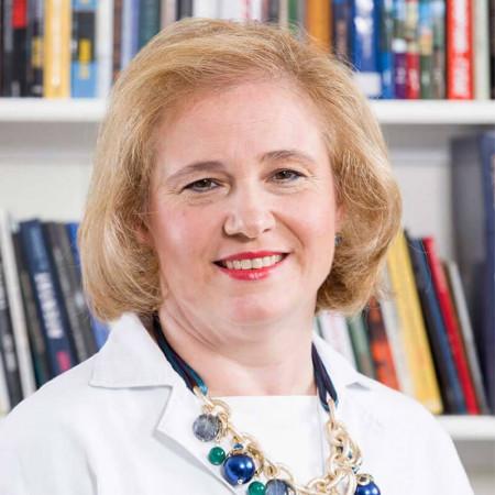 Prof. dr Sanja Sinđić Antunović je specijalista dečje hirurgije. Izuzetan je stručnjak u ovoj oblasti sa dugogodišnjim iskustvom u UDK Tiršova. Zakažite pregled.