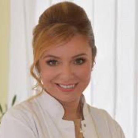 Dr Marija Balković specijalista plastične, rekonstruktivne i estetske hirurgije. Stručnjak u oblasti transplantacije kose gde koristi najsavremenije metode. Zakažite