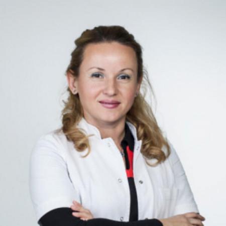 Gordana Miloševiski Lomić je specijalista pedijatrije sa supspecijalizacijom iz nefrologije. Bavi se kompletnom pedijatrijskom nefrologijom.
