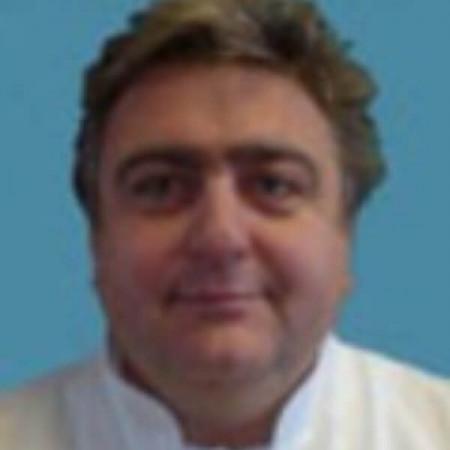 Pukovnik spec. dr med. Jovan Jugović je specijalista neuropsihijatrije. Izuzetan je stručnjak u oblasti ratnog psihotraumatizma. Zakažite pregled.