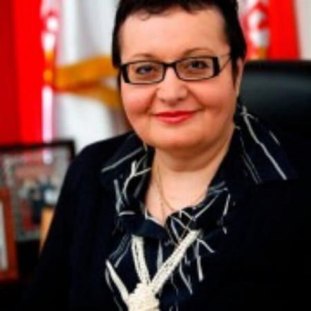 Dr Tatjana Radosavljević je specijalista pneumoftiziologije, pulmolog. Svakodnevno leči pulmološka oboljenja i alergije. Zakazivanje 063/687-460.