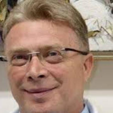 Prof. dr sc. med. Rajko Hrvačević je specijalista intene medicine sa supspecijalizacijom iz nefrologije. Pročitajte biografiju i zakažite pregled.