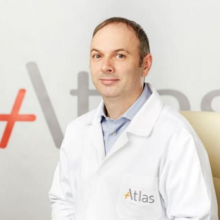 Dr Aleksandar Vlahović je specijalista dečije hirurgije sa dugogodišnjim iskustvom u lečenju hemangioma kod dece, preko 21 godine radnog iskustva. Zakažite pregled.