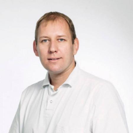 Dr Goran Đuričić je specijalista radiologije zaposlen na Univerzitetskoj dečijoj klinici Tiršova u Beogradu.
