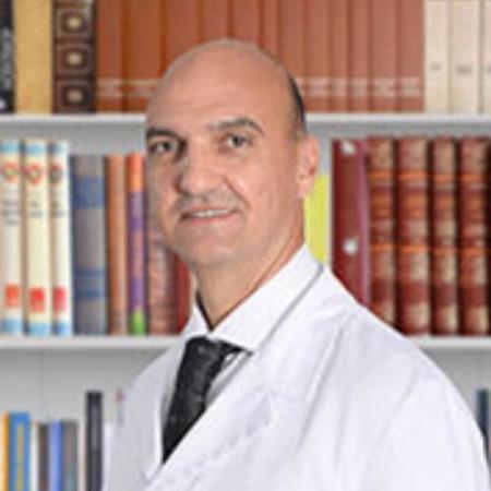 Prof. dr sci. med. Dejan Nikolić je specijalista opšte hirurgije i onkohirurg. Pročitajte biografiju i zakažite pregled.
