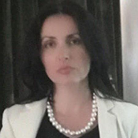Dr Sanja Milutinović  je specijalista reumatologije sa više od 20 godina iskustva. Uža oblast interesovanja joj je ultrazvučna dijagnostika u reumatologiji.